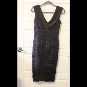 Tadashi Ruched Cocktail Pencil Dress. Size 6